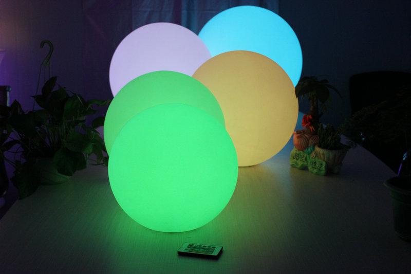遥控异形发光PE滚塑圆球