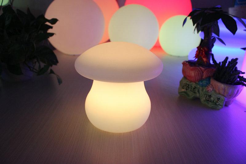 遥控异形发光PE滚塑蘑菇灯