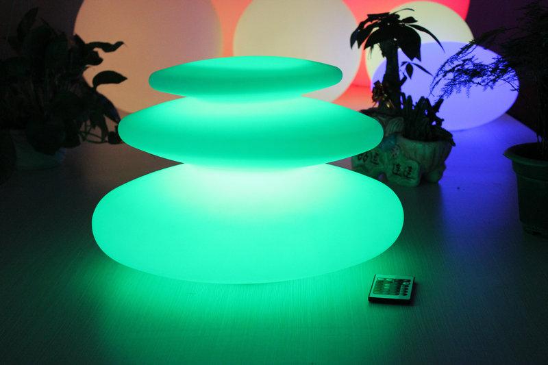 遥控异形发光PE滚塑叠石灯