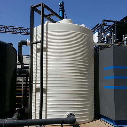 30吨纯水PE水箱/水塔